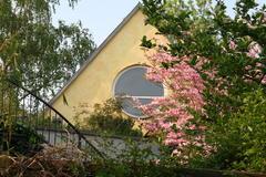 Begrüntes Dach der Galerie: Magnolie